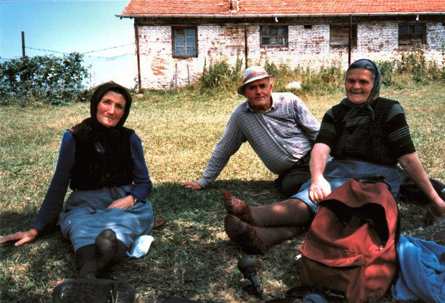 Dobrinka, Elenka & Spas, Govedarci